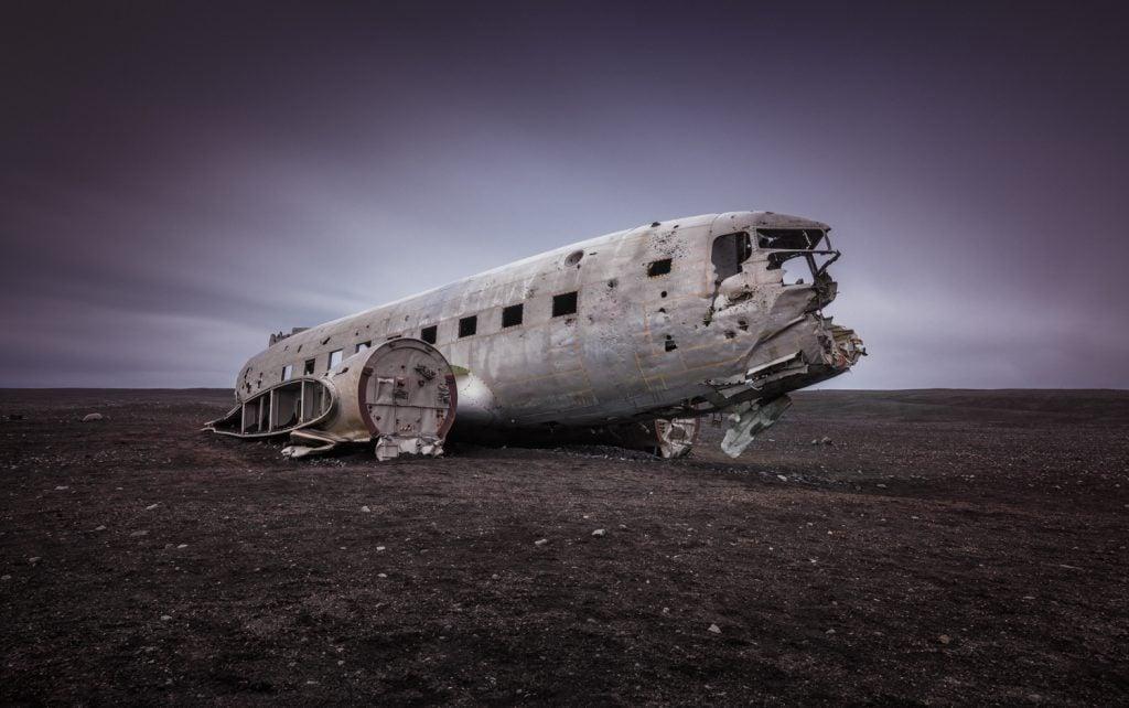 Landscape-Photograpy-Abandoned-Plane-Iceland