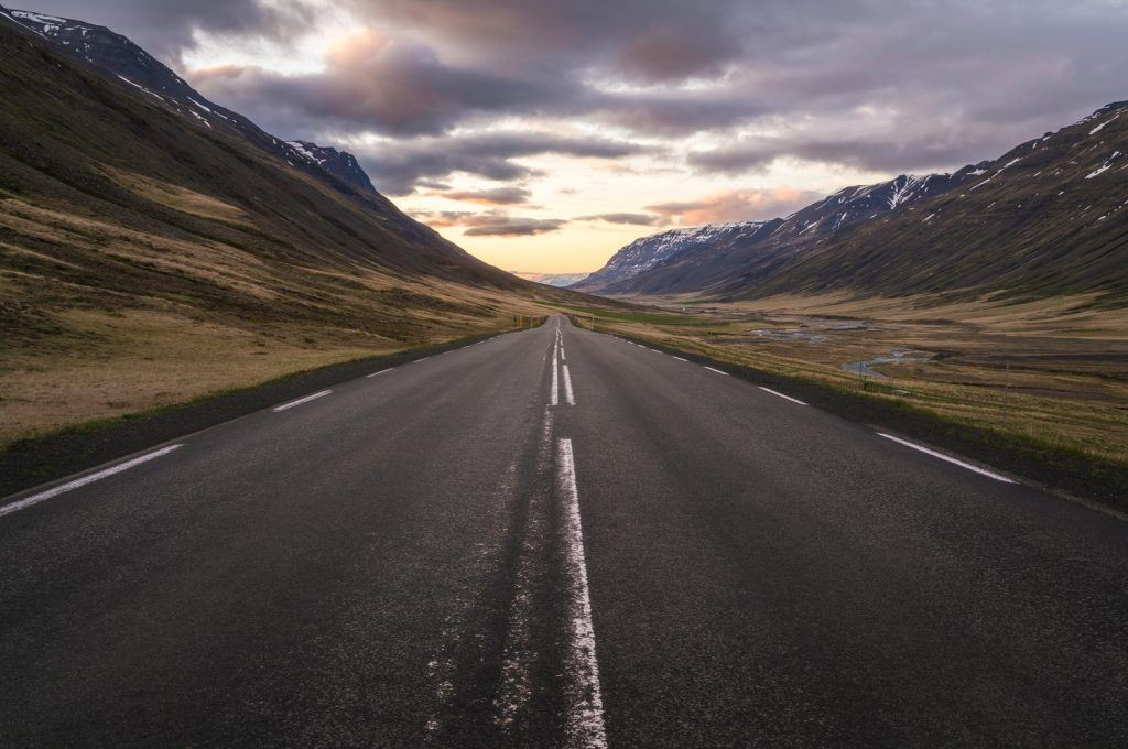 HDR-Photography-Road-to-the-Midnight-Sun-Iceland