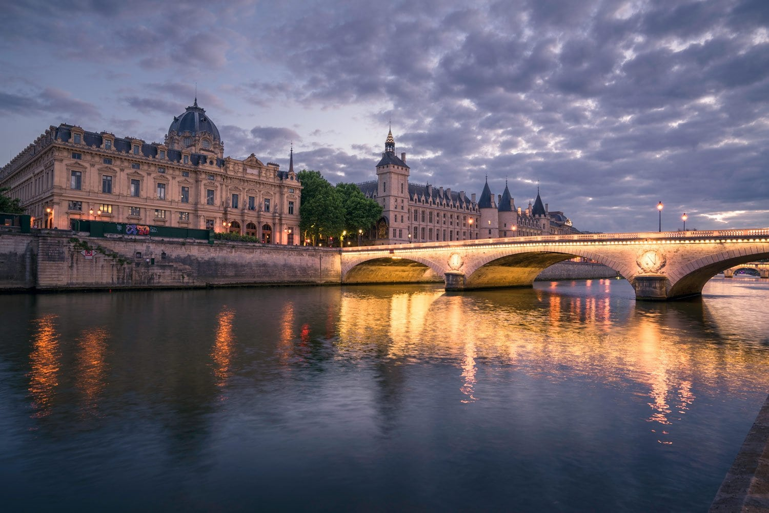 HDR-Photography-Seine-River-at-Night-Presetpro.com