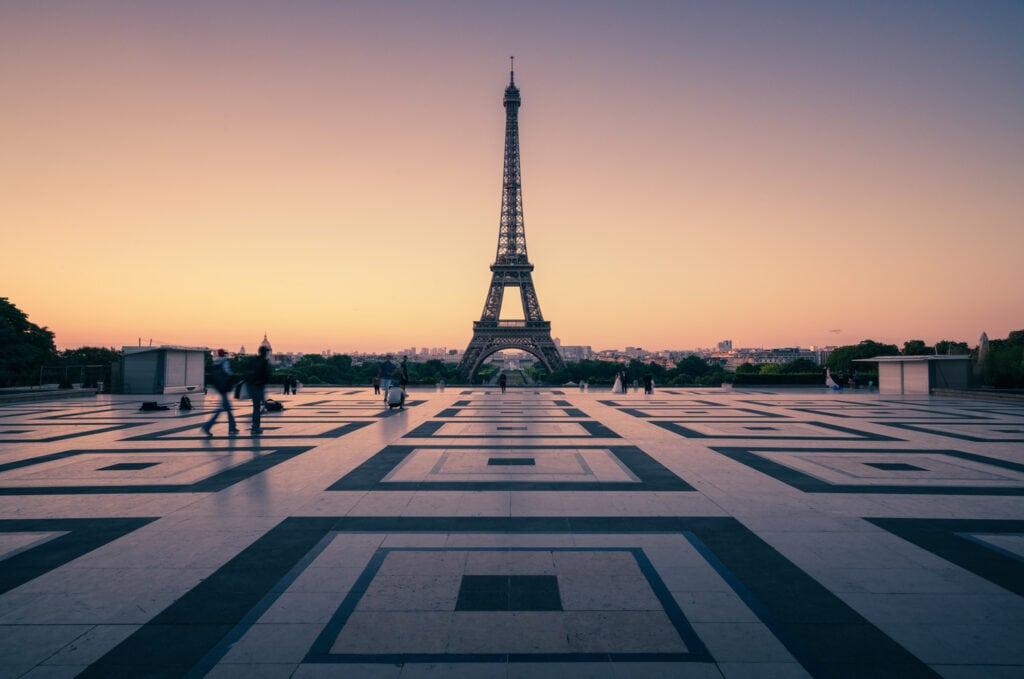 Photography   Calming Colour in Paris - Presetpro.com