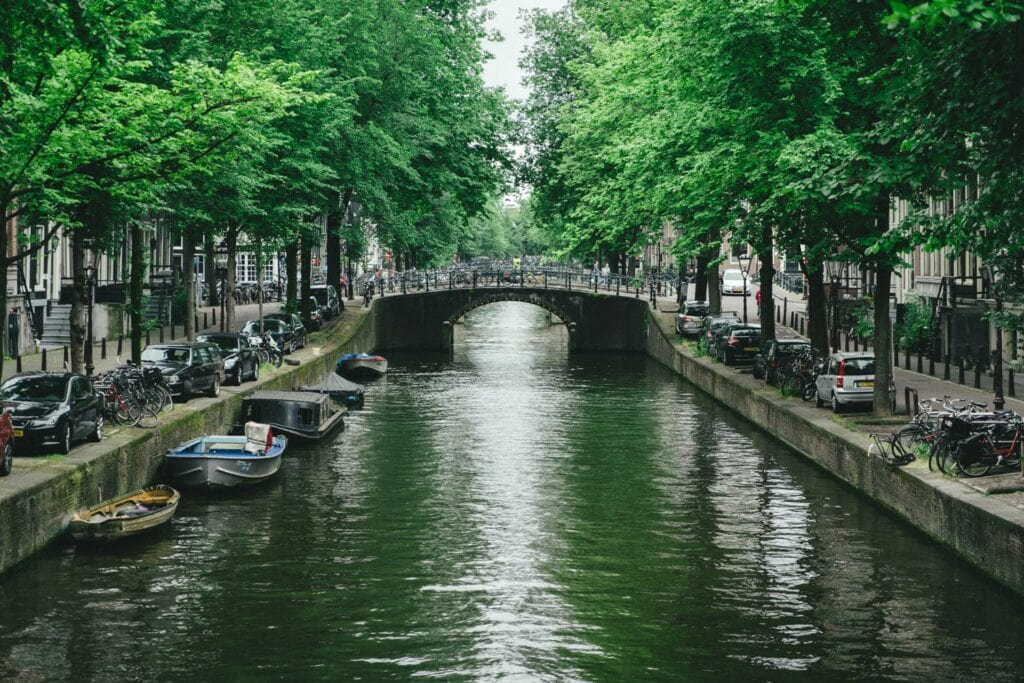 Film Emulation | Amsterdam Canal