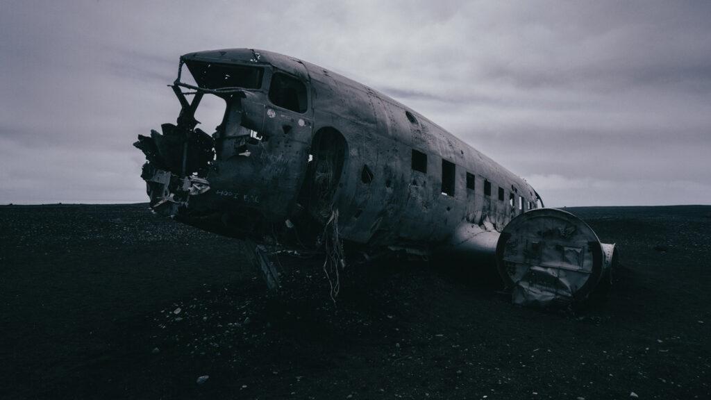 Awe-Inspiring Photos | Iceland Plane Crash