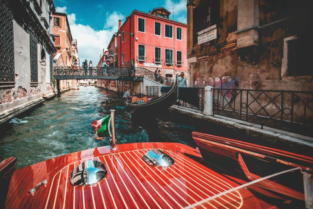 Awe-Inspiring Photos | Venice by Boat